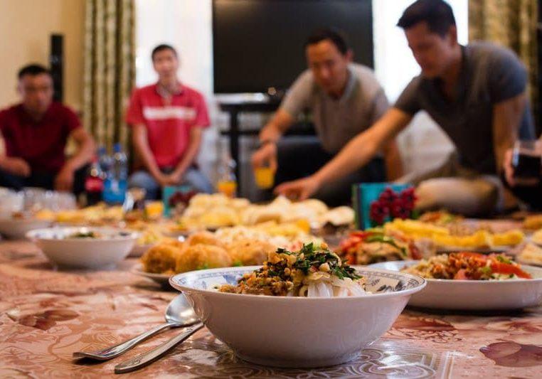 Ужин в дунганской семье